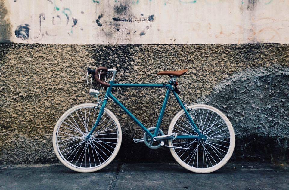 จักรยานโมเดิร์นวินเทจ turquoise