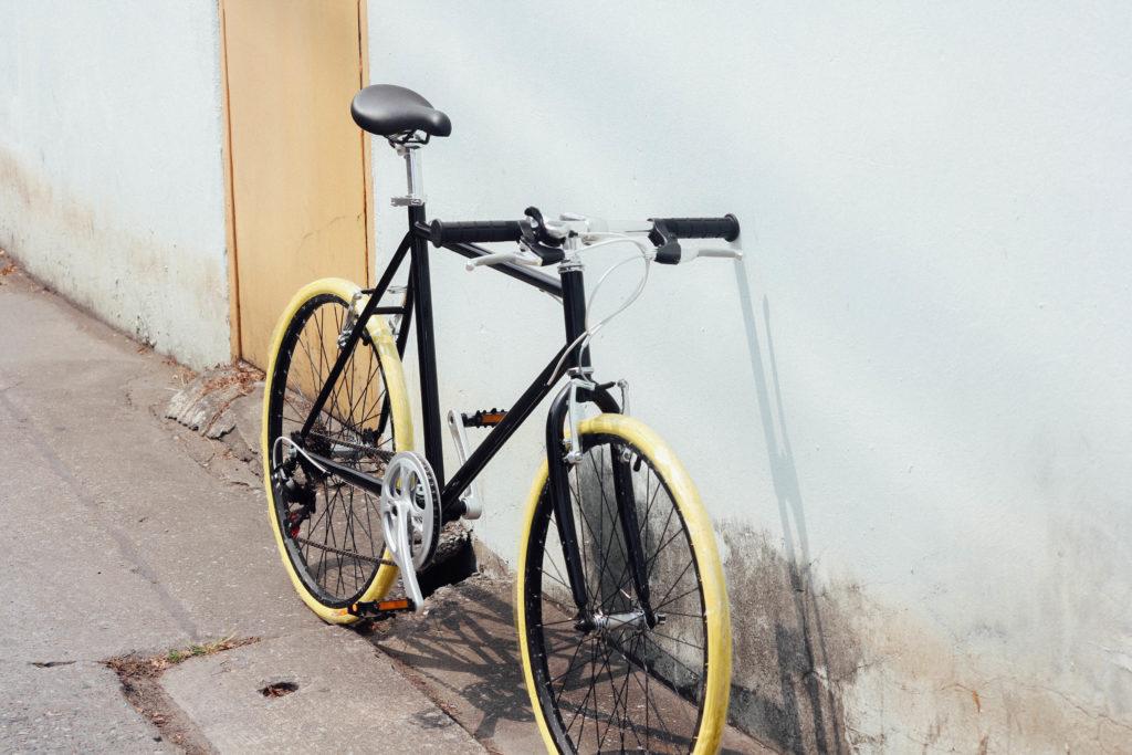 จักรยานฟิกเกียร์ ดำเหลือง Tint bicycle
