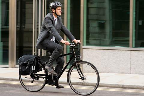 ปั่นจักรยานไปทำงาน